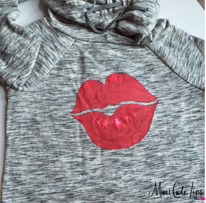DIY Lip Shirt 9