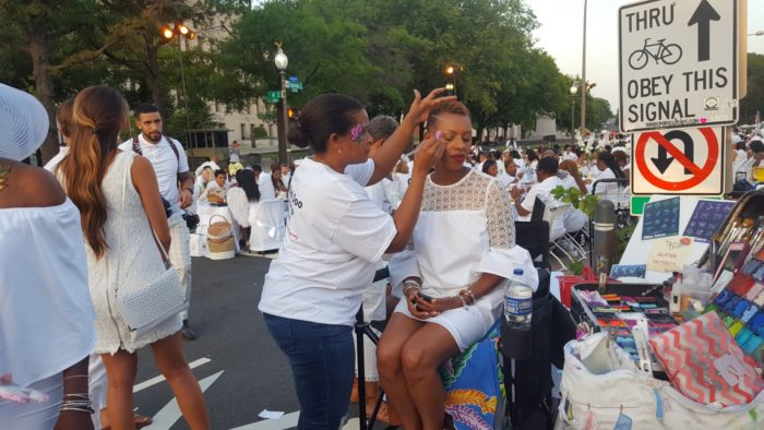 tech tips for diner en blanc