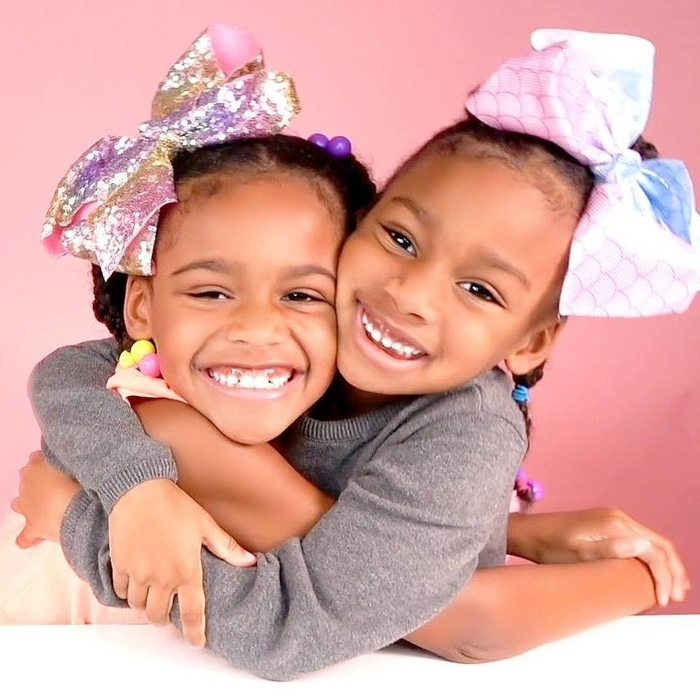 Naiah and Elli Toys Show